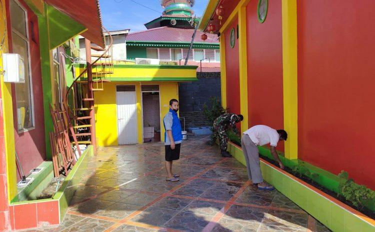 Peduli Kebersihan Subdenpom XII/1-2 Sanggau bersihkan Kelenteng (Pekong).